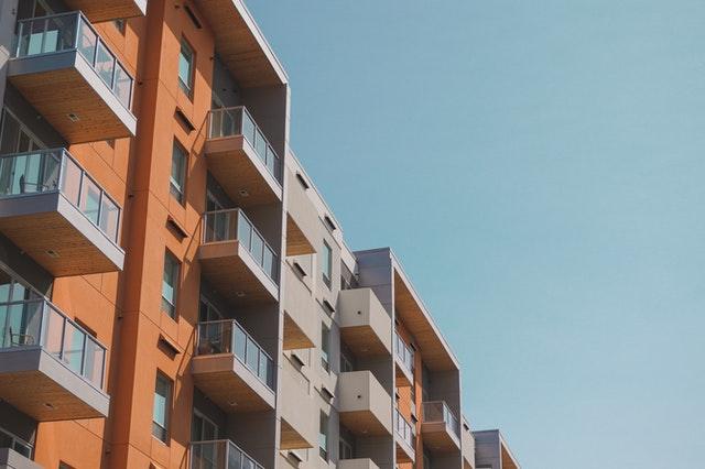 pergola bioclimatica in condominio